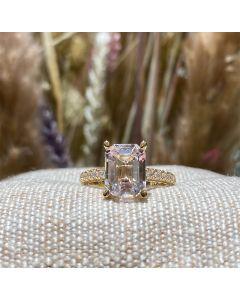 Henrik Ørsnes Design 14 Karat Guld Ring med Morganit og Diamanter 0,28 Carat W/SI